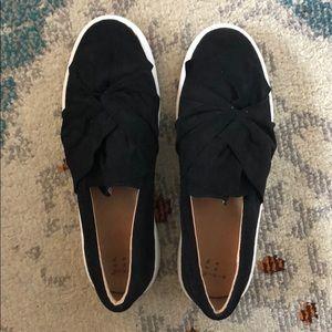 Black Fashionable Slip On Sneakers
